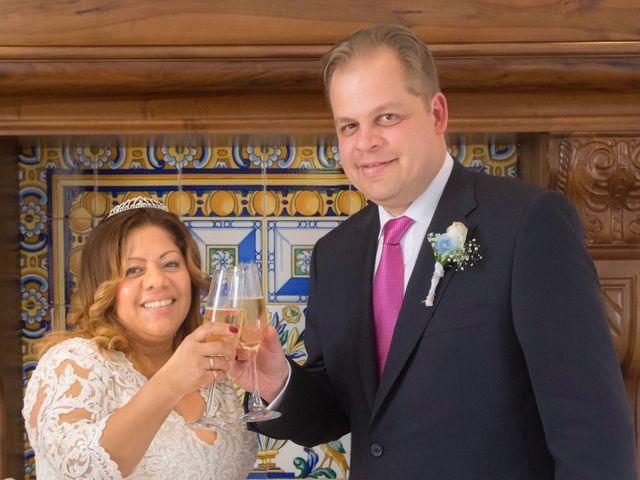 La boda de Jordi  y Adriana  en Sant Feliu De Llobregat, Barcelona 34