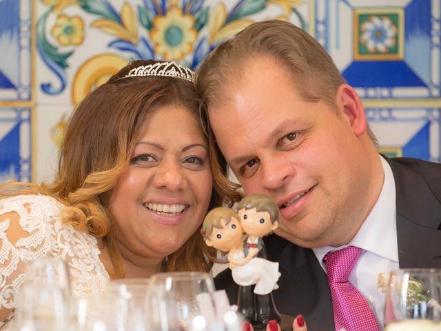 La boda de Jordi  y Adriana  en Sant Feliu De Llobregat, Barcelona 38