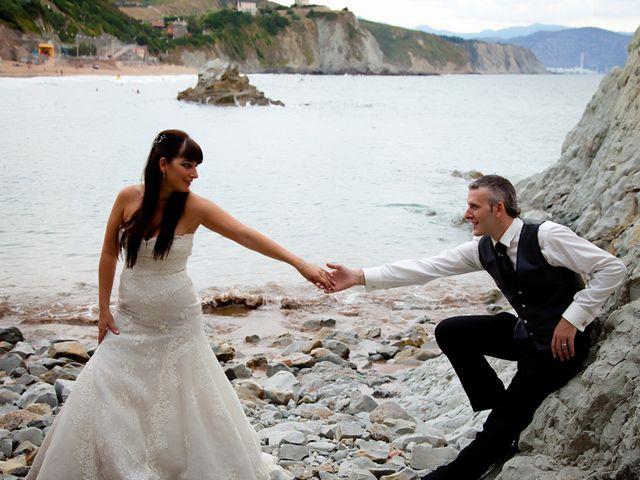 La boda de Edorta y Elizabeth en Forua, Vizcaya 13