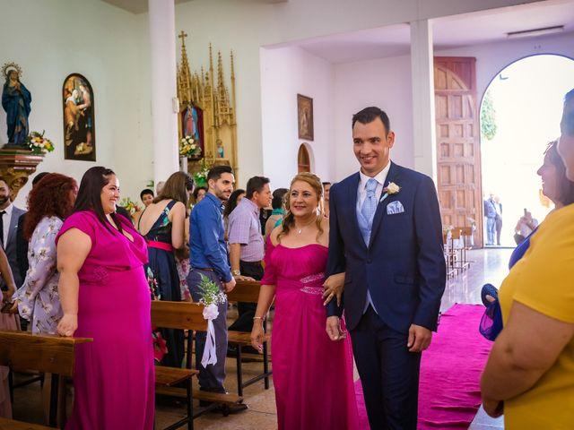 La boda de Manuel y Georgina en Telde, Las Palmas 23