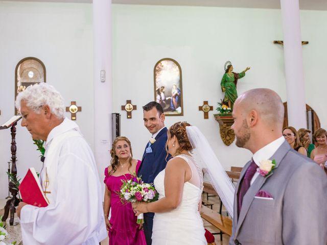 La boda de Manuel y Georgina en Telde, Las Palmas 24