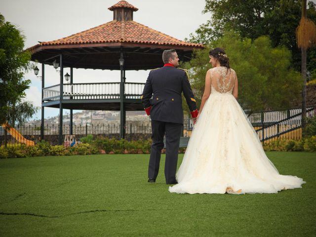 La boda de Mario y Mireia en La Orotava, Santa Cruz de Tenerife 24