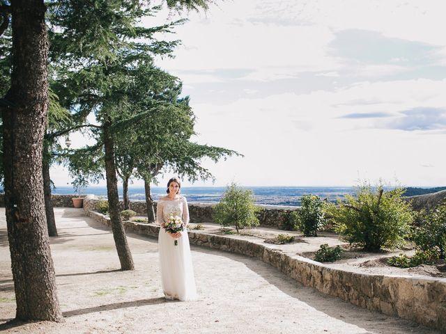 La boda de Pablo y Pilar en Torrelodones, Madrid 16