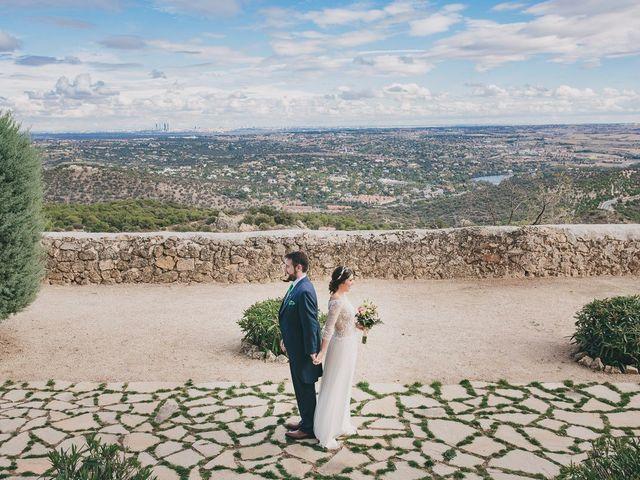 La boda de Pablo y Pilar en Torrelodones, Madrid 17