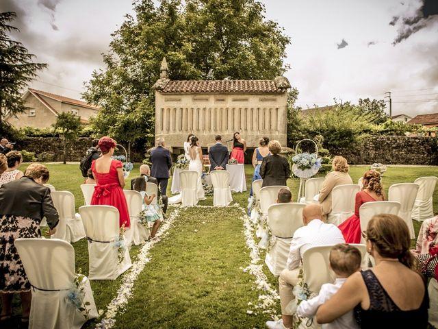 La boda de Alesis y Noa en Pontevedra, Pontevedra 16