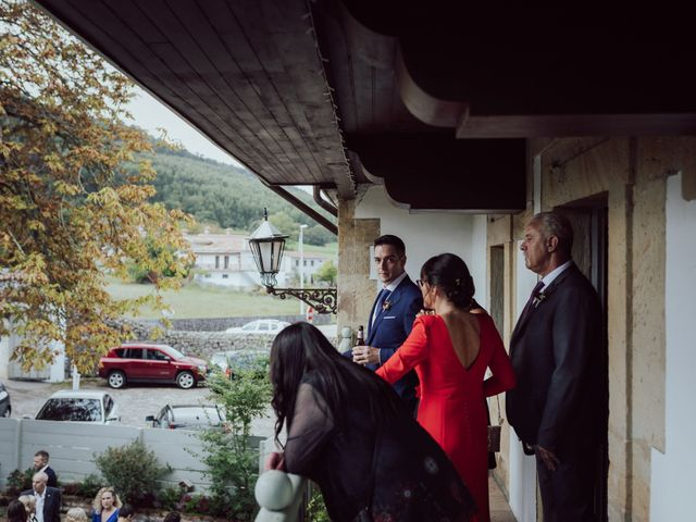 La boda de Iker y Lorena en Arnuero, Cantabria 24