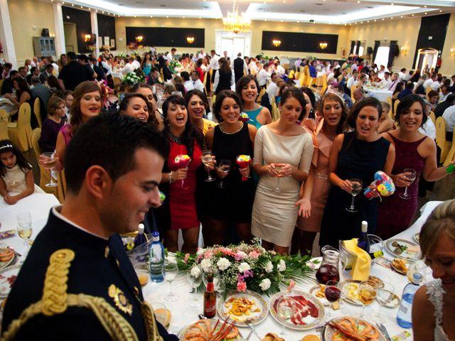 La boda de Miguel Ángel y Isabel en Mancha Real, Jaén 14
