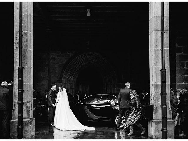 La boda de Eneko y Alba en Zarautz, Guipúzcoa 17