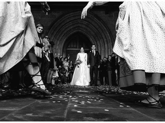 La boda de Eneko y Alba en Zarautz, Guipúzcoa 25