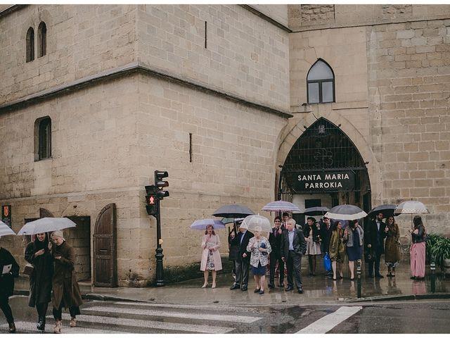 La boda de Eneko y Alba en Zarautz, Guipúzcoa 26