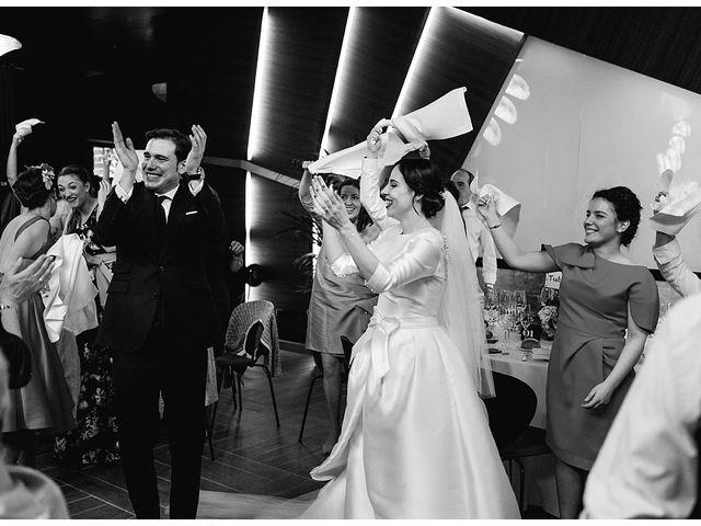 La boda de Eneko y Alba en Zarautz, Guipúzcoa 37
