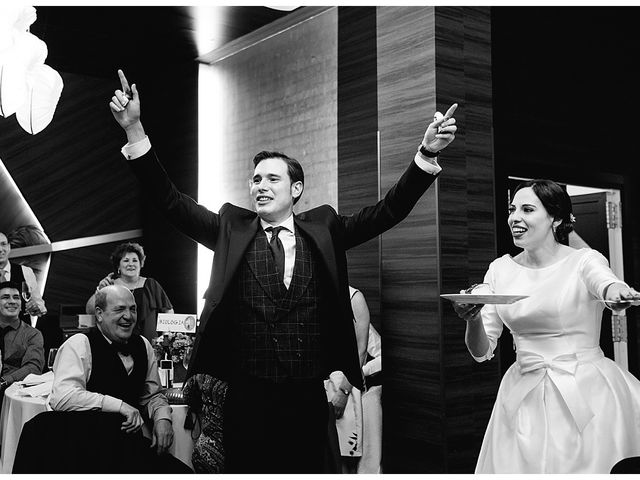 La boda de Eneko y Alba en Zarautz, Guipúzcoa 39