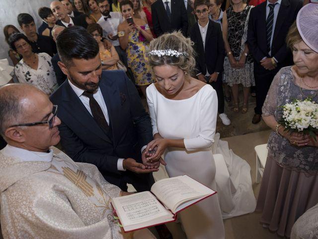 La boda de Andy y Shaila en Bergantiños, A Coruña 18