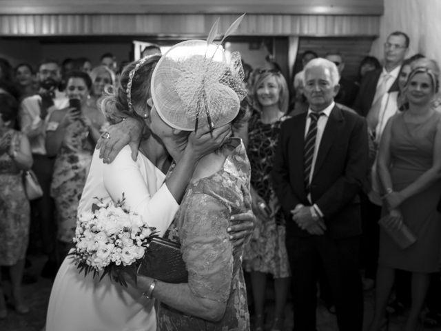 La boda de Andy y Shaila en Bergantiños, A Coruña 19