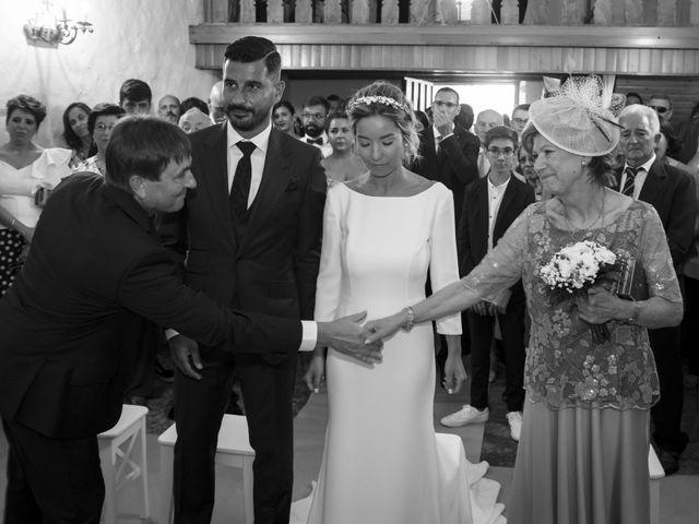 La boda de Andy y Shaila en Bergantiños, A Coruña 20