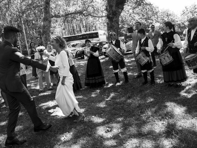La boda de Andy y Shaila en Bergantiños, A Coruña 24