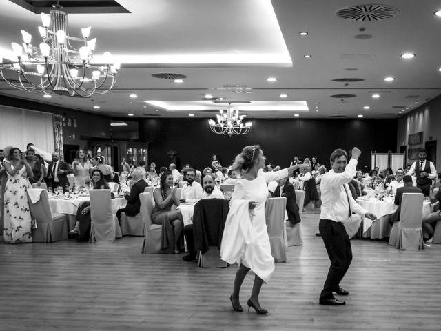 La boda de Andy y Shaila en Bergantiños, A Coruña 40
