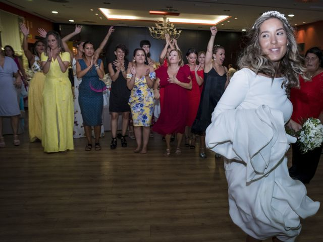 La boda de Andy y Shaila en Bergantiños, A Coruña 47