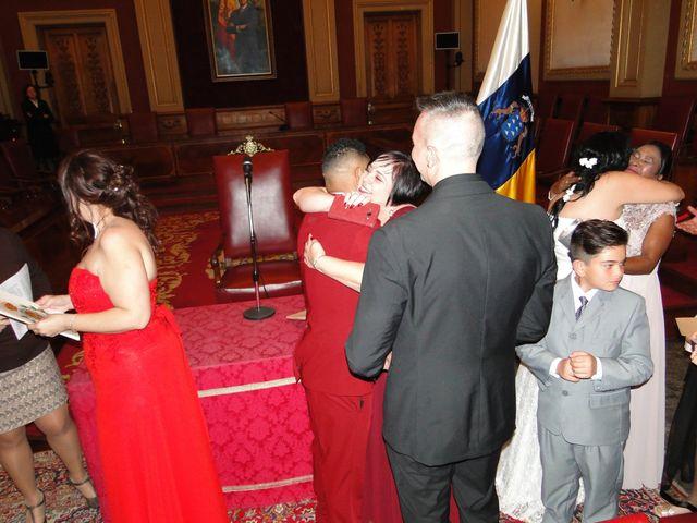 La boda de walla y vanesa en Santa Cruz De Tenerife, Santa Cruz de Tenerife 34