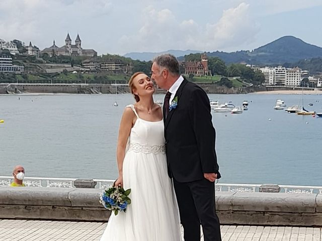 La boda de Carlos  y Laura en Donostia-San Sebastián, Guipúzcoa 8