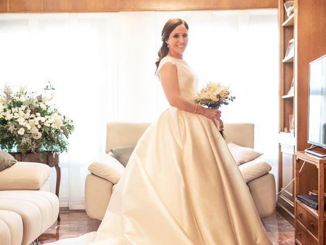 La boda de Manuel y Isabel en El Puig, Valencia 17