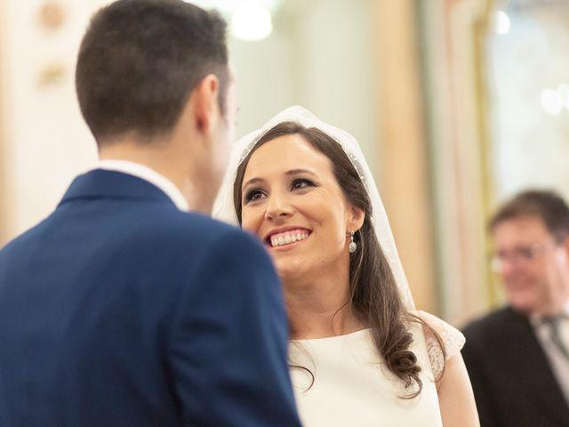 La boda de Manuel y Isabel en El Puig, Valencia 32