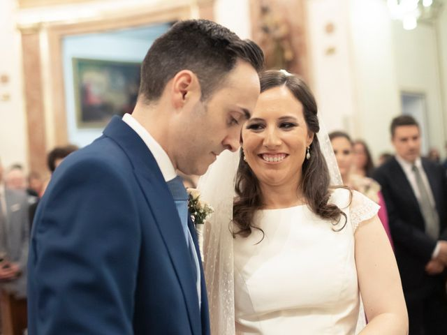 La boda de Manuel y Isabel en El Puig, Valencia 36