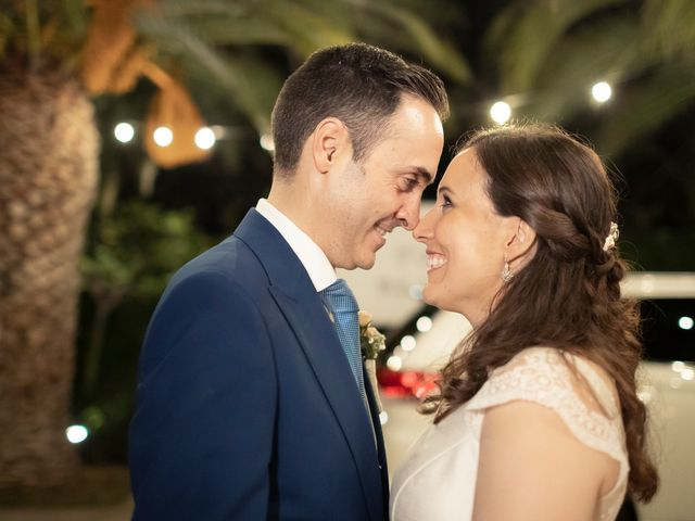 La boda de Manuel y Isabel en El Puig, Valencia 48