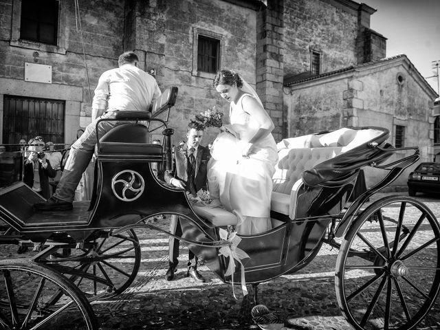 La boda de Fran y Almudena en Zarza De Granadilla, Cáceres 45