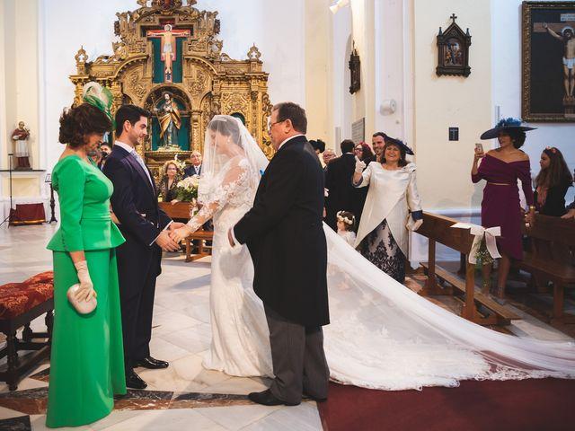 La boda de Ana Belén y Roberto en Palma Del Rio, Córdoba 35