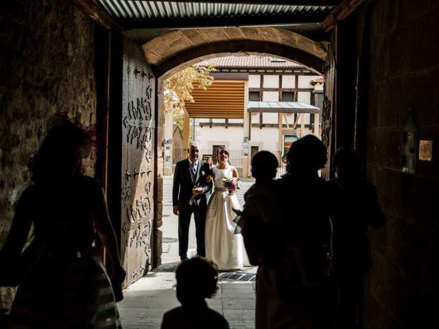 La boda de Alfonso y Almudena en Laguardia, Álava 38