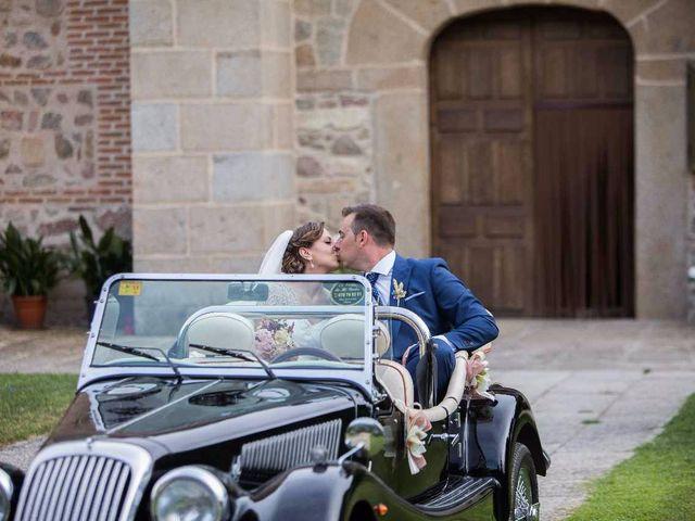 La boda de Daniel y Mónica en Candeleda, Ávila 43
