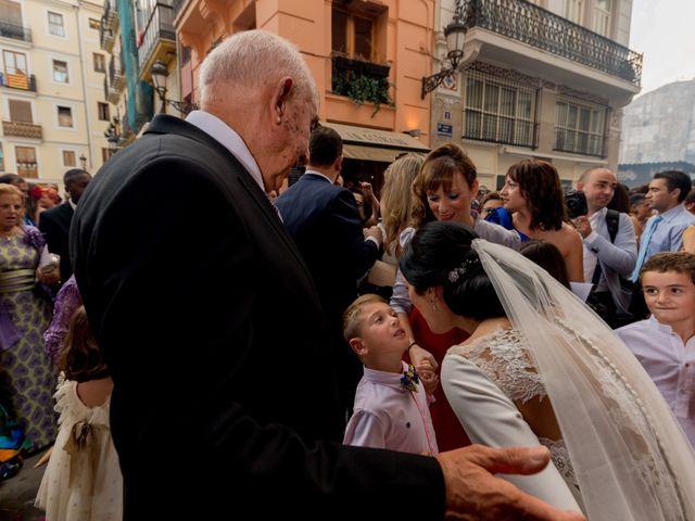 La boda de Javier y Bárbara en Vilamarxant, Valencia 35