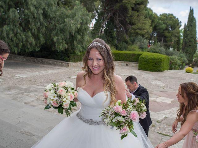 La boda de Tony y Clara en Igualada, Barcelona 11