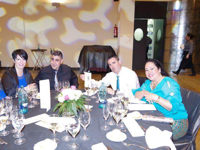 La boda de Tony y Clara en Igualada, Barcelona 23