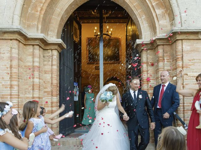 La boda de Ale y Mavi en Huelva, Huelva 16
