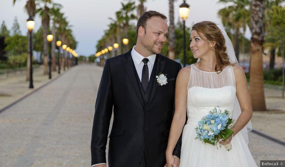 La boda de Ale y Mavi en Huelva, Huelva