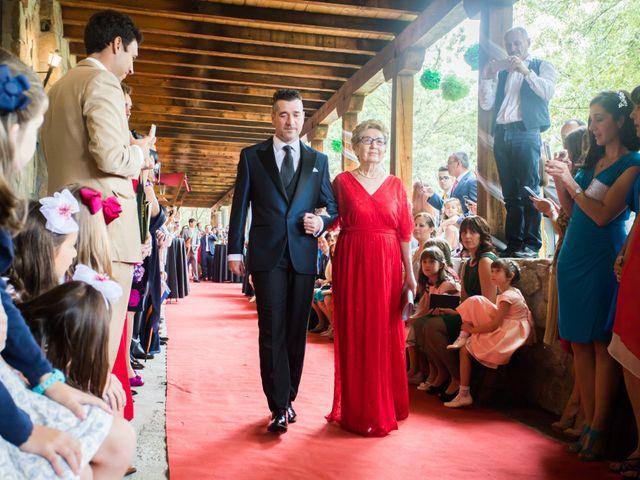 La boda de Iván y Noelia en Navaluenga, Ávila 10