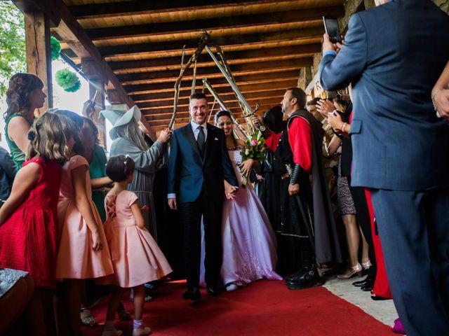 La boda de Iván y Noelia en Navaluenga, Ávila 13