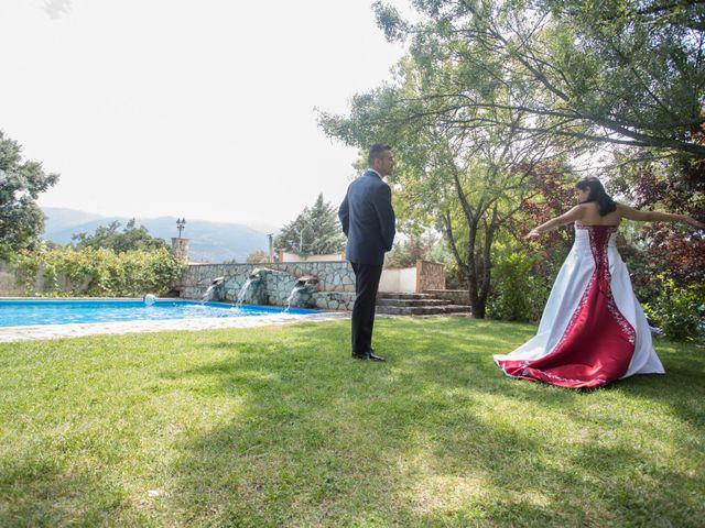 La boda de Iván y Noelia en Navaluenga, Ávila 15