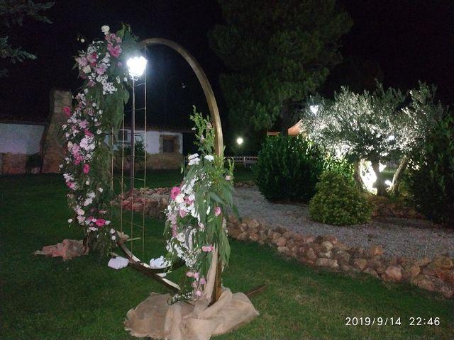 La boda de Jennifer y Adrian en Garray, Soria 5