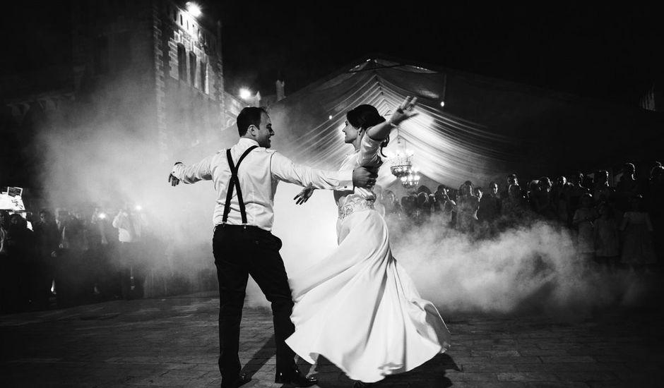 La boda de Andrés y Sarai en Almodovar Del Rio, Córdoba