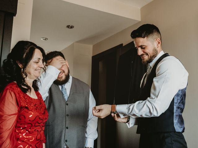 La boda de Alejandro y Macarena en Dos Hermanas, Sevilla 14