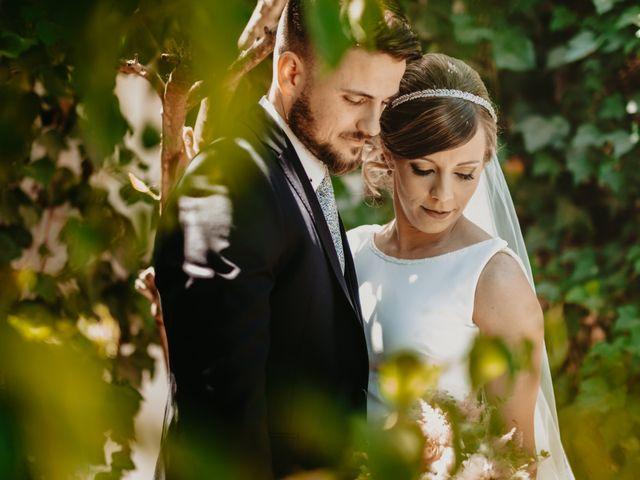 La boda de Alejandro y Macarena en Dos Hermanas, Sevilla 39