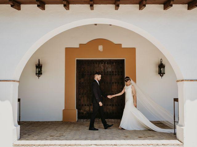 La boda de Alejandro y Macarena en Dos Hermanas, Sevilla 40