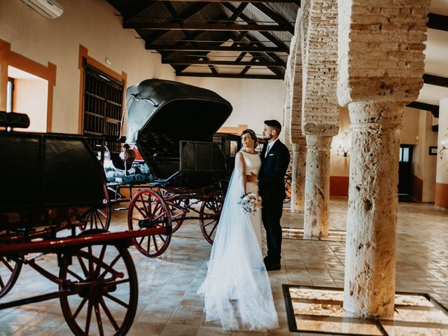 La boda de Alejandro y Macarena en Dos Hermanas, Sevilla 44