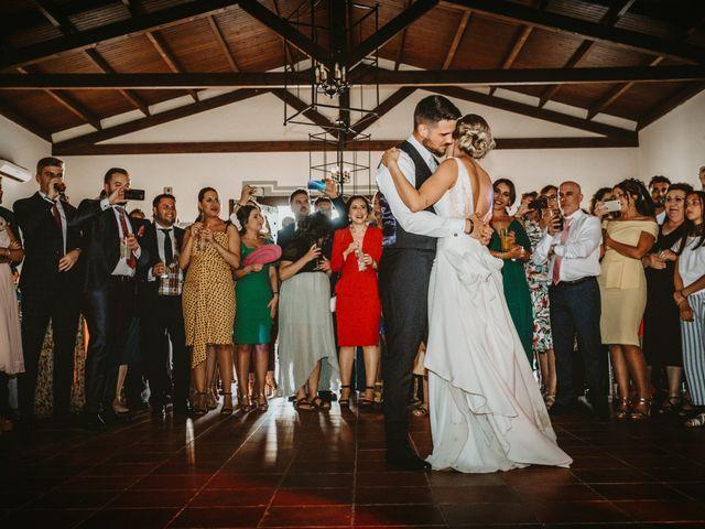 La boda de Alejandro y Macarena en Dos Hermanas, Sevilla 54