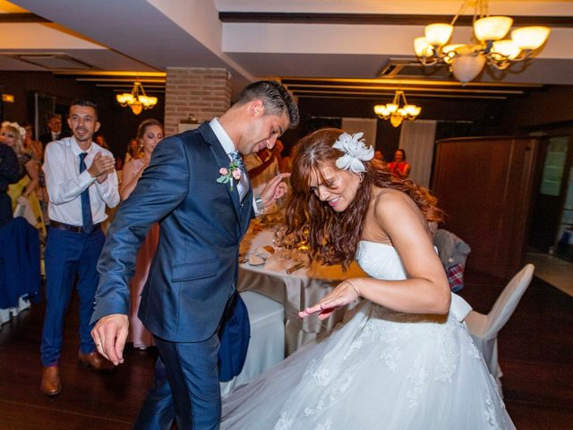 La boda de Alberto y Beatriz en Gorraiz, Navarra 61