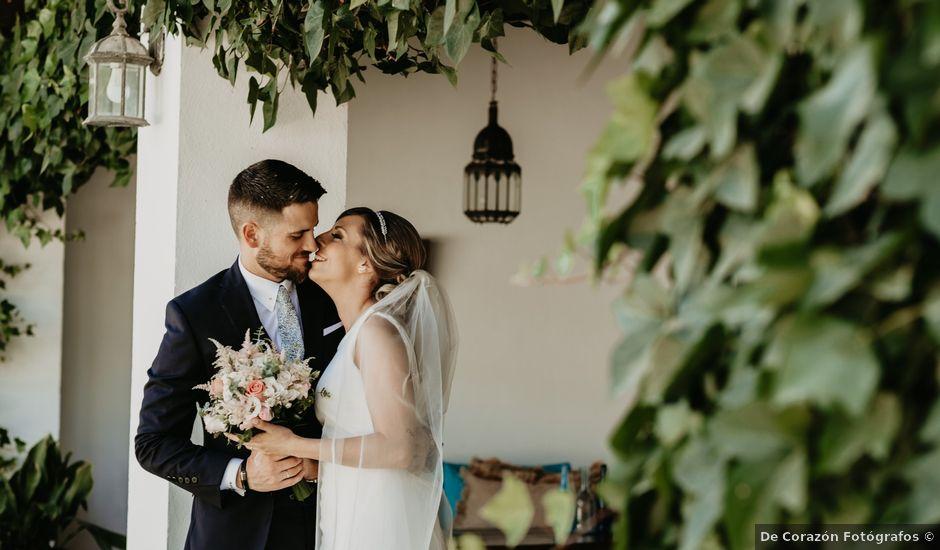 La boda de Alejandro y Macarena en Dos Hermanas, Sevilla