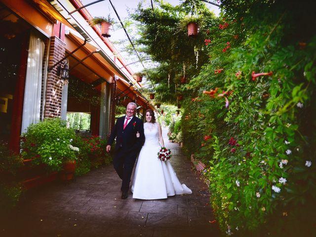 La boda de Raffaele y Diana en El Tiemblo, Ávila 35